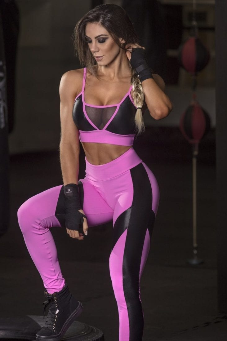 and-pissing-sexy-workout-clothes-girls