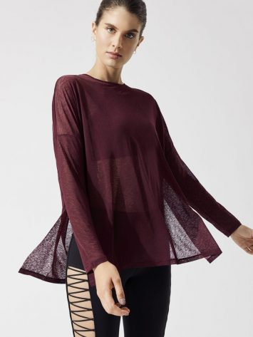 ALO Yoga ARROW Oversized Long Sleeve Tee-Sexy Yoga Tops – Black Cherry