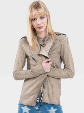 jacket-SS19_Lookbook_Studio_Page_076
