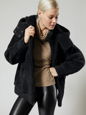ALO Yoga Norte Sherpa Coat (black)