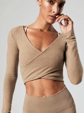 ALO Yoga Amelia Luxe Long Sleeve Crop (gravel)