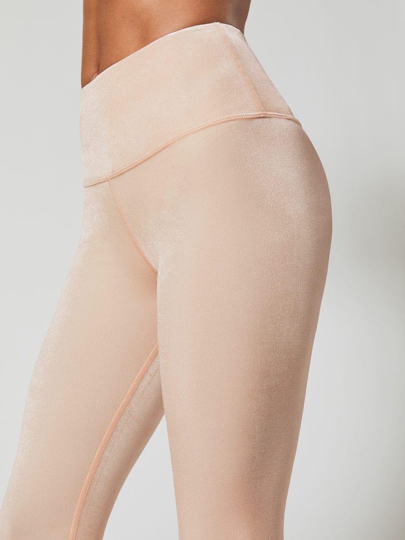 fb783ad0bd582 ALO Yoga Continuity Capri Sexy Leggings - white