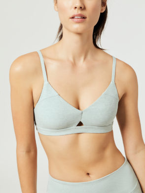 ALO Yoga Lounge Sports Bra (cloud)