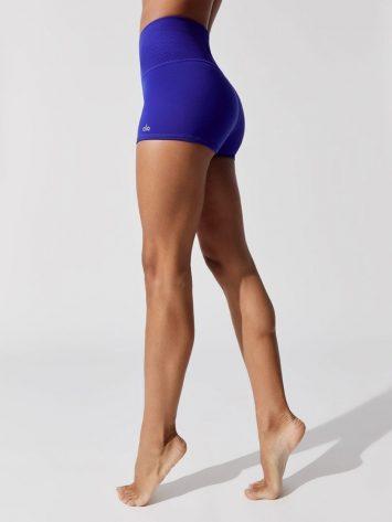ALO YOGA Aura Shorts (Sapphire)