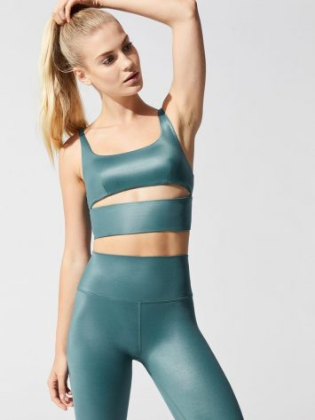 ALO Yoga Slit Shine Sports Bra – Seagrass Shine